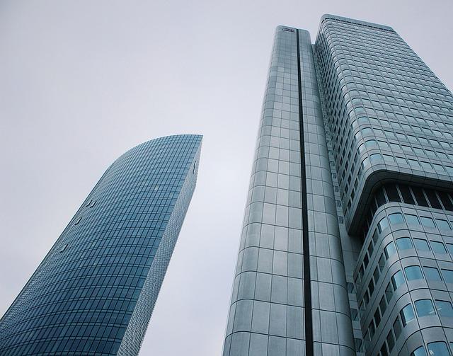 skyscraper-1264948_640