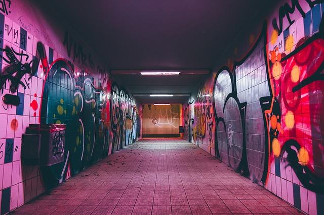 tunnel-2588054_640